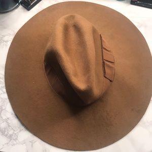 Slouchy tan hat